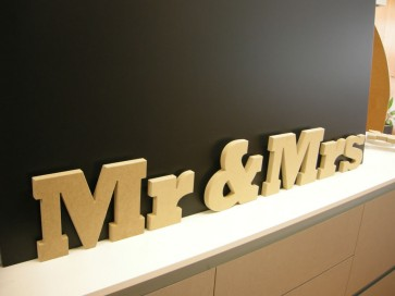 Letras Mr & Mrs de madera